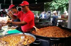 eat-soul-food-stall-serving